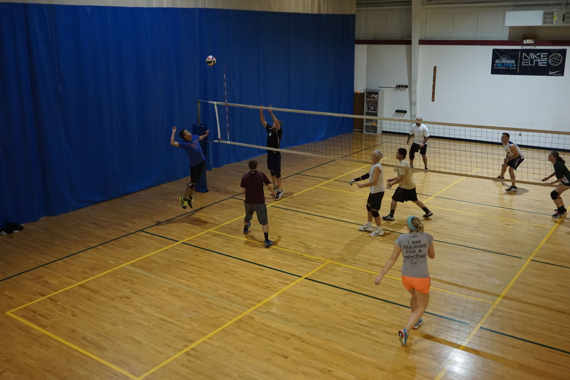 madison-turners-volleyball-outside-hit