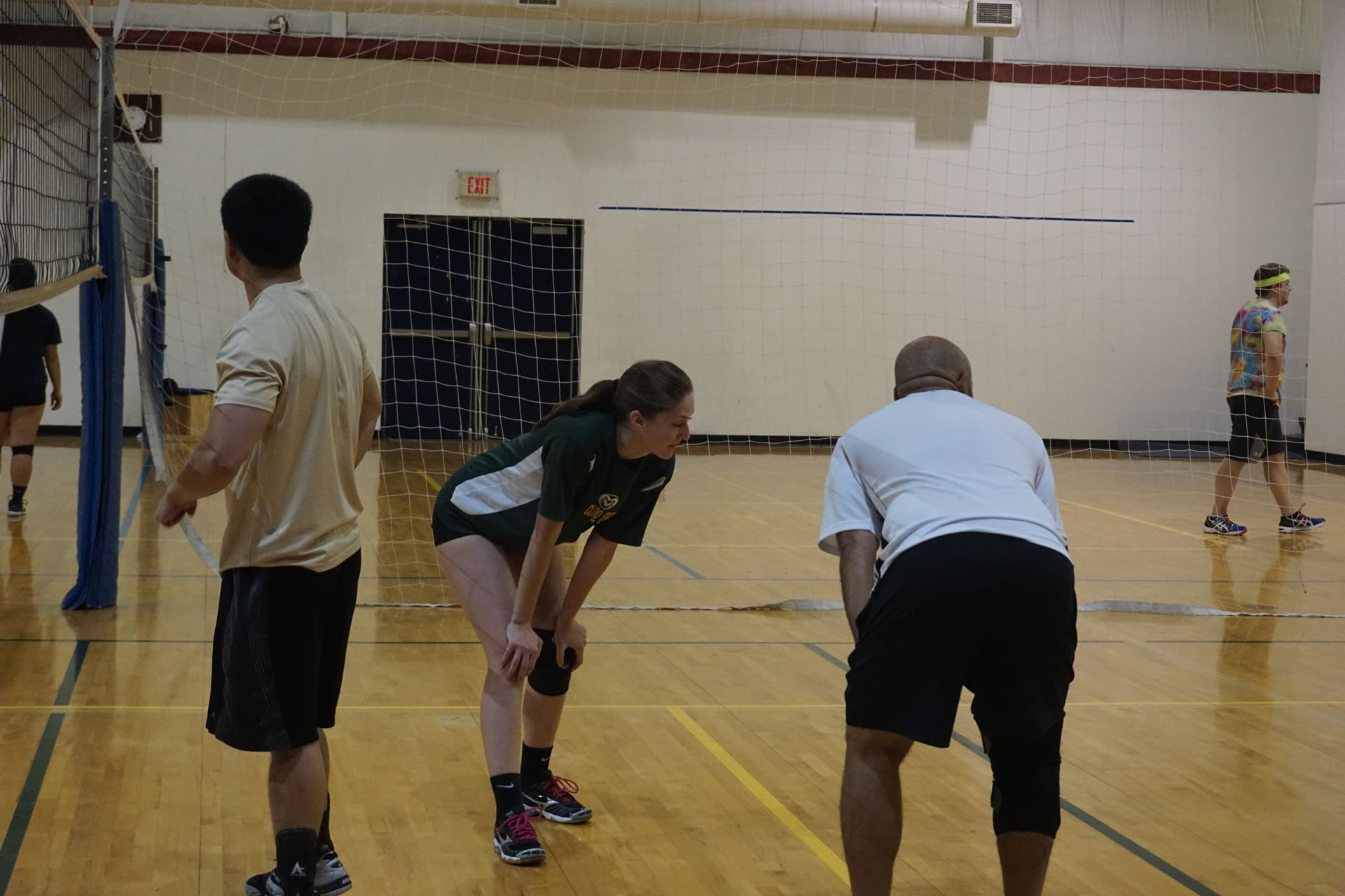madison-turners-volleyball-serve-receive-stack
