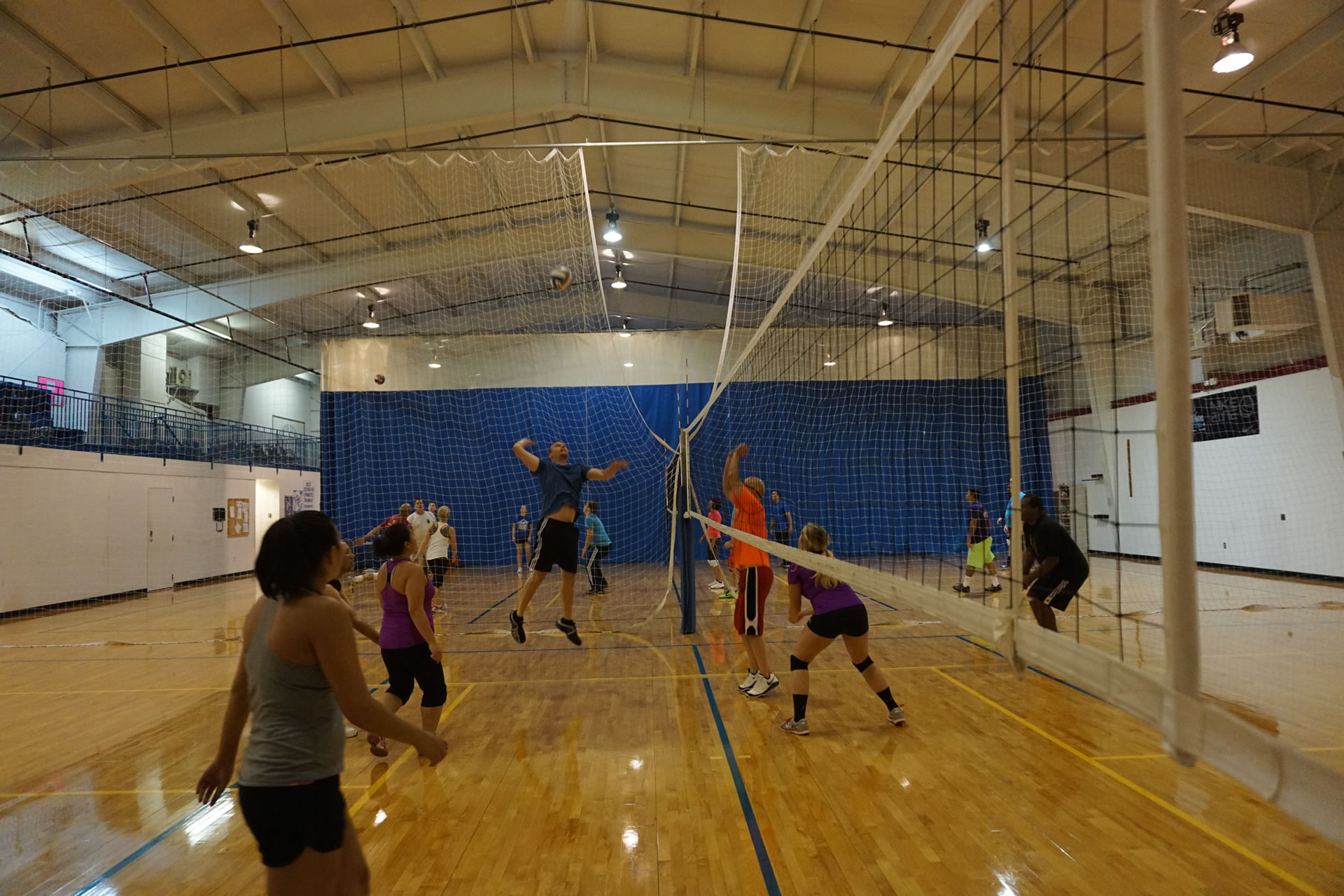madison-turners-intermediate-volleyball-hitting-far-side
