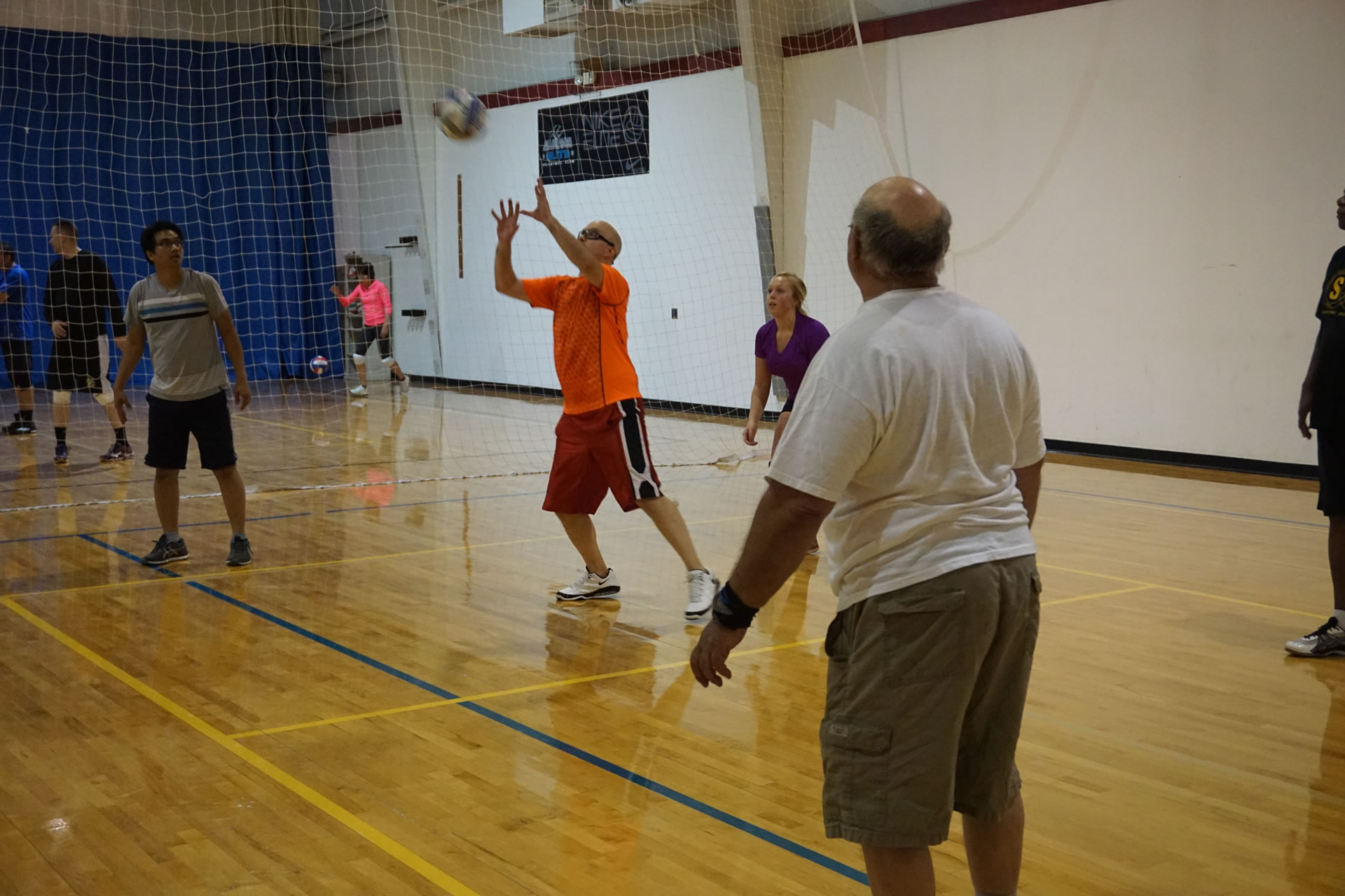 madison-turners-intermediate-volleyball-setting-position